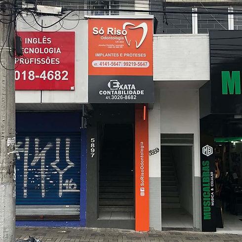 projeto_comercial_dentista_fachada_estudio_sello_camila_novak_so_riso_odontologia%20(3)_edited.jpg