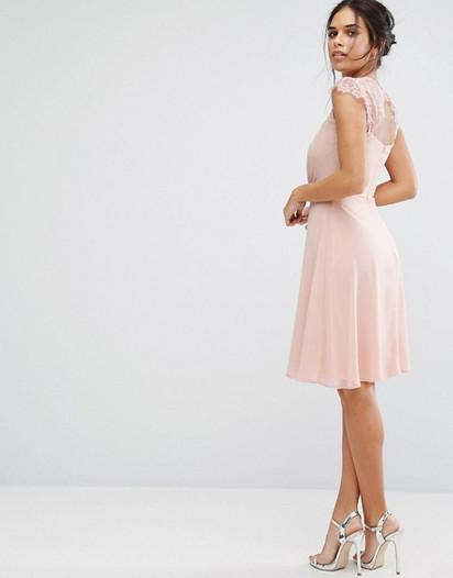 11 robes roses poudr pour vos demoiselles d 39 honneur la for La conservation de robe de mariage de noeud