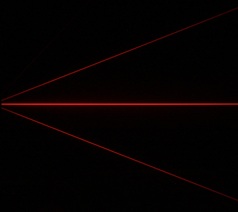 Diffraction-red_laser-diffraction_gratin