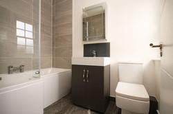 bathroom-2752475__480.jpg