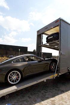 Porsche-loading.jpg