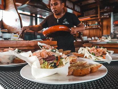 The wanderlovers calico jack luxury scubadive liveaboard raja ampat indonesia sorong west papua food onboard