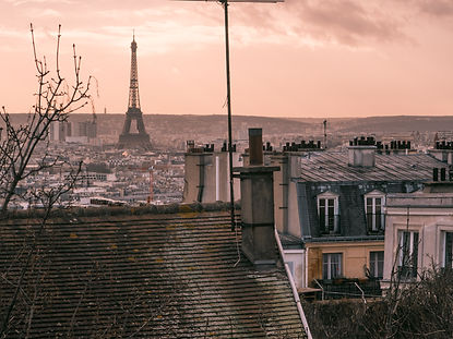 the wanderlovers paris view point eiffel tower montmartre sunset