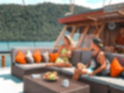 The wanderlovers calico jack luxury scubadive liveaboard raja ampat indonesia sorong west papua top deck canon