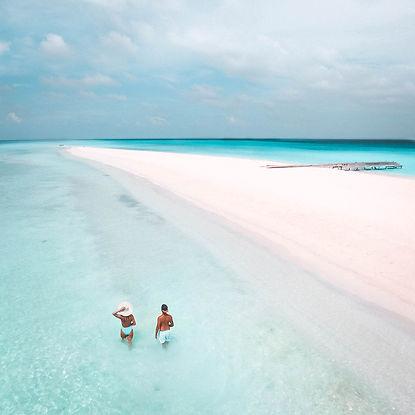 The Wanderlovers Maldives kuramathi resort sandbar drone private island
