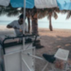 The Wanderlovers Velassaru Resort maldiv drone shot sandbar luxury private island inocean water villas infinity pool bar ice cream
