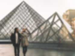 The wanderlovers le louvre museum mona lisa paris eurostar