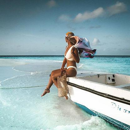 Everyone carpe diem carpe vita luxury scuba dive liveaboard maldives