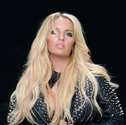 Britney Spears Lookalike till the world ends