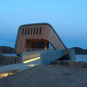 O impressionante restaurante submerso nas águas geladas da Noruega