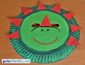 Cómo hacer una máscara de dinosaurio con plato de papel