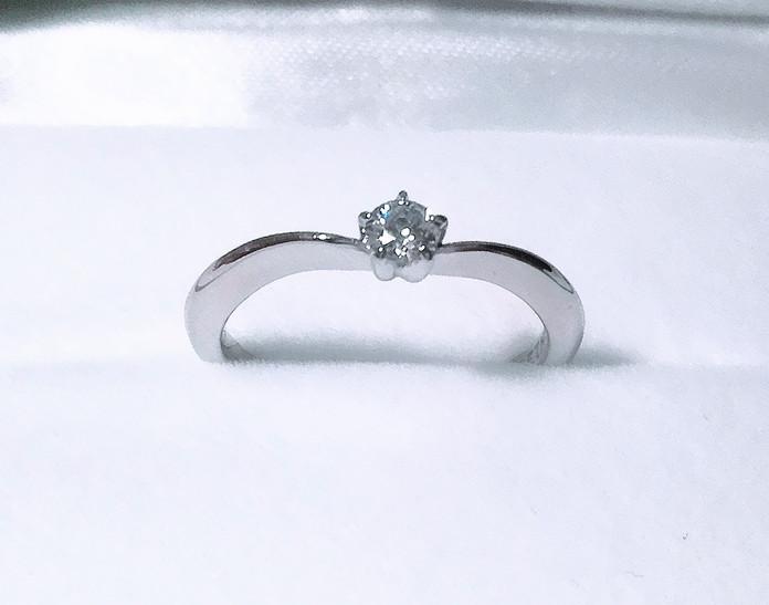 覚悟として、けじめとしての婚約指輪