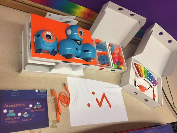 Jr Robotics Club - Dash and Dot Robots1a