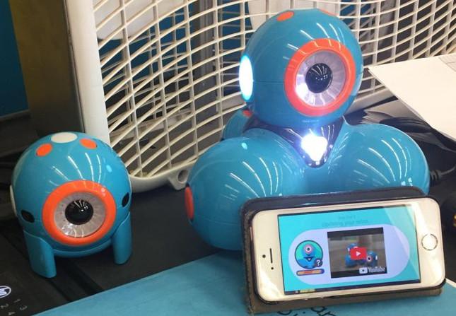 Jr Robotics Club - Dash and Dot Robots 2