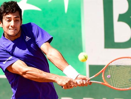 De menos a más, Garin festeja su cumpleaños con trabajado triunfo en Roland Garros