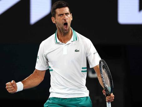 Djokovic acaba con la racha de Karatsev y accede a su novena final en Australia