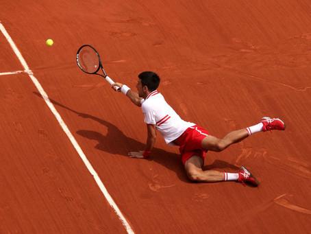 Desde el piso: Djokovic remonta y gana duro partido frente a Musetti