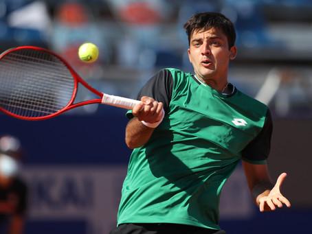 Tomás Barrios saca adelante un duro estreno en el Challenger de Santiago