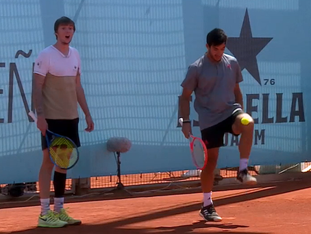 Una pareja dispareja: Garin y Bublik se divierten en su gran triunfo en dobles en Madrid