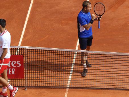 Daniel Evans sorprende al derrotar a Novak Djokovic en Monte Carlo
