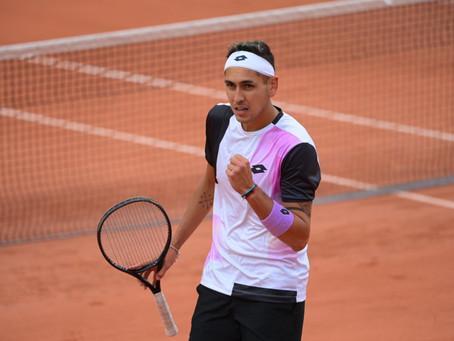 Tabilo sufre, pero consigue cerrar un apretado triunfo sobre Ebden en Roland Garros
