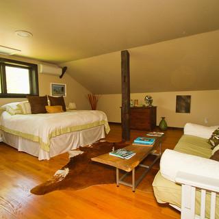 Bedroom 1 - Upper Level