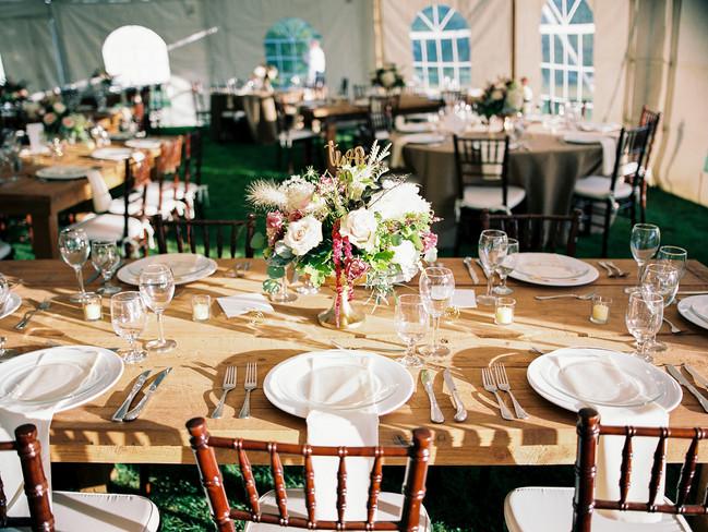 Copake-tented-wedding-farm-tablescape-su
