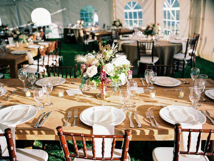 Copake-tented-wedding-farm-tablescape-su