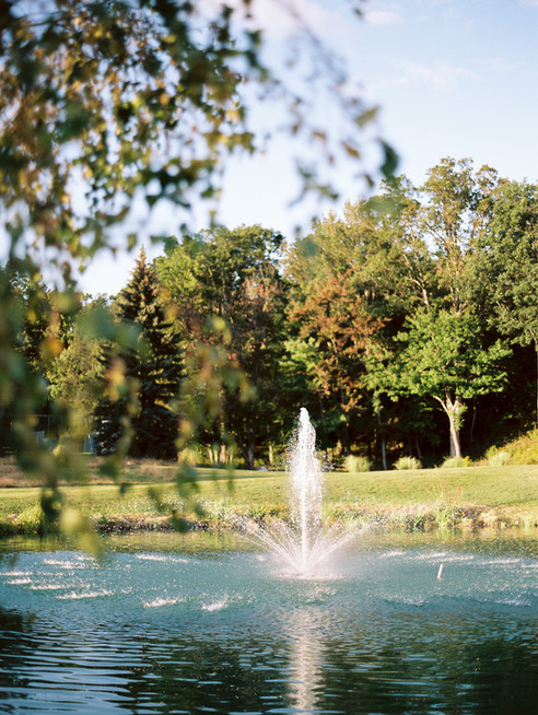 pond-fountain-copake-country-club.jpg