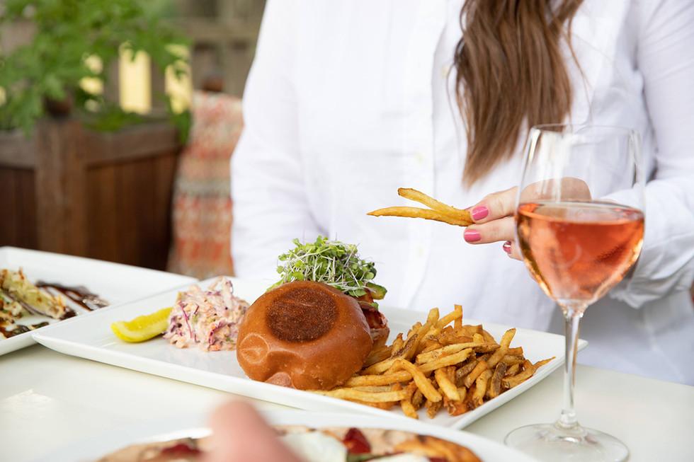 outdoor-dining-columbia-county-hudson-va