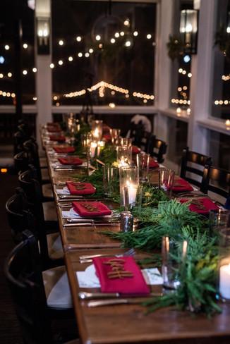 Copake-winter-wedding-simple-tablescape.