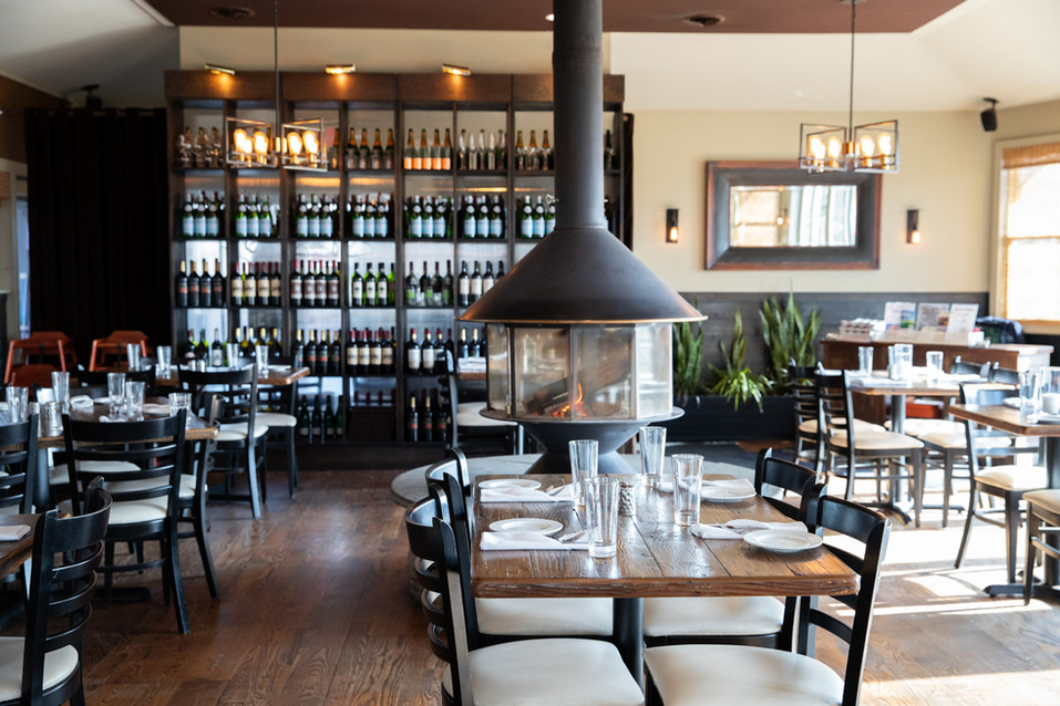 the-greens-restaurant-dining-room-firepl