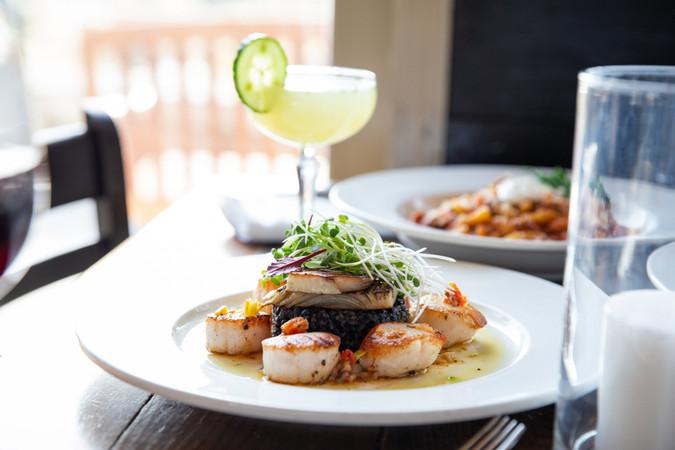 fresh-scallops-dinner-cocktails.jpg