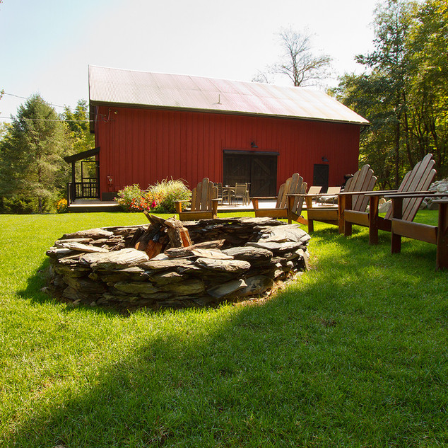 Exterior view of yard & fire pit