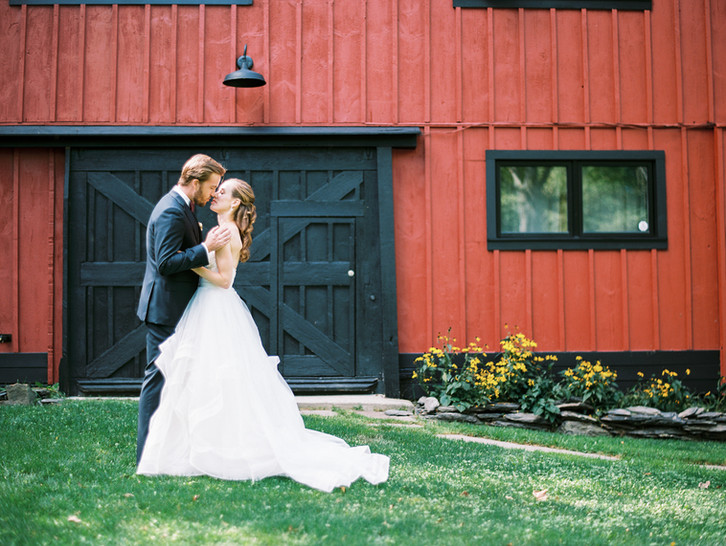 summer-wedding-barn-copake-lake-.jpg