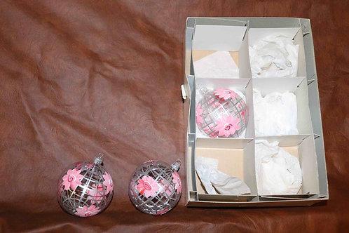 3 boules de Noël à fleurs en verre