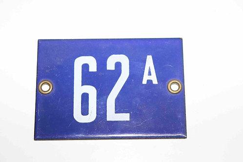 Numéro de maison ancienne plaquette émaillée n°62 A