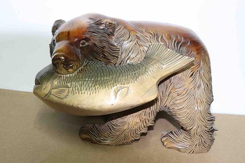 Ours bois sculpté avec poisson Japon XXème 31 cm