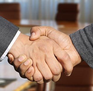 shaking-hands-3091906_1920.jpg