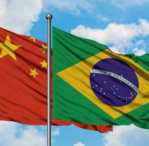 Foto Brasil - China_edited.jpg