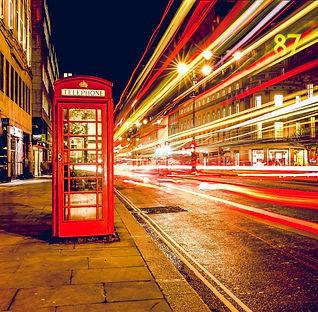 telephone-booth-768610_1920.jpg