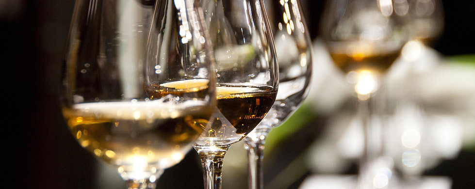 wine-glasses-1246240_1920.jpg