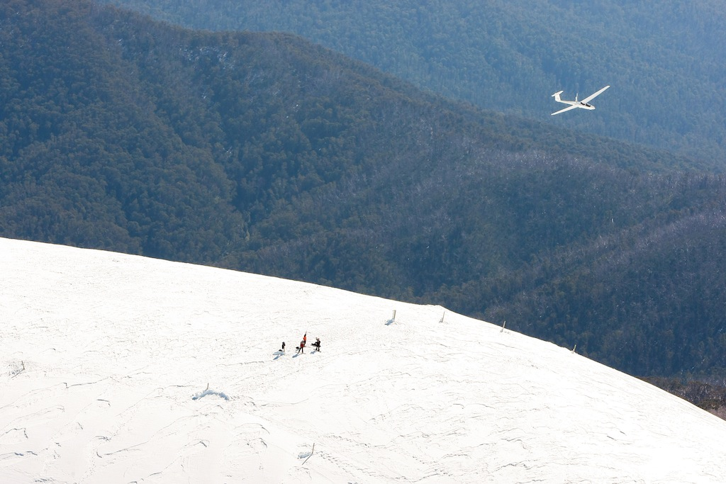 Hikers on Mt Bogong