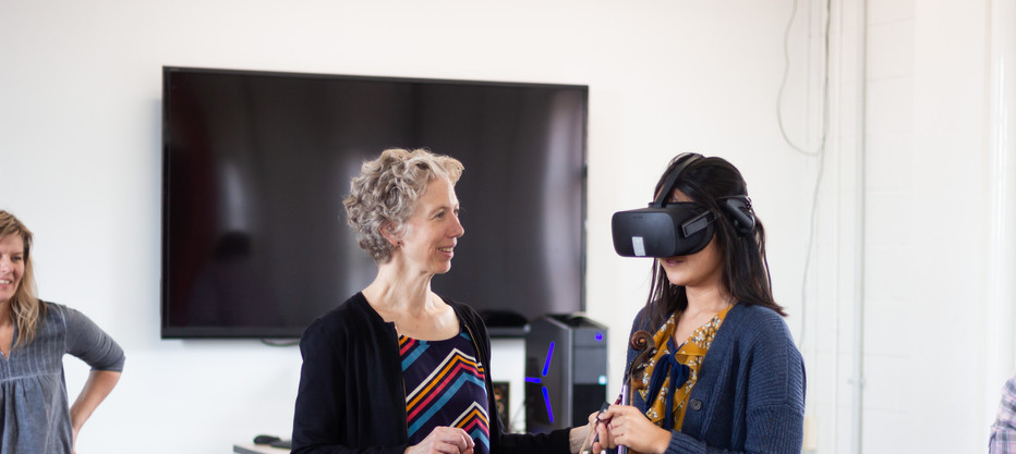 Teaching with Virtual Reality