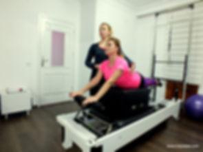 Yeliz Dinçakar: Kızımla beraber pilates yapmak çok zevkli. Sağlık için egzersizlerimizi beraber yapmak iyi bir paylaşım. Bunun için Full Pilates'e teşekkürler.