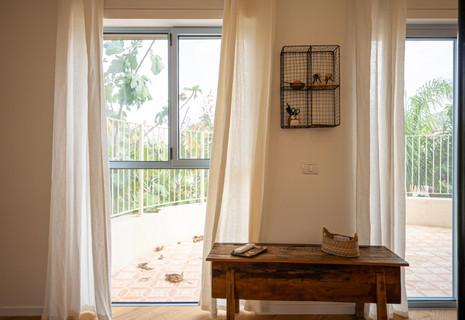 אדריכלית אלונה נבו סידי חדר שינה אור טבעי רכות