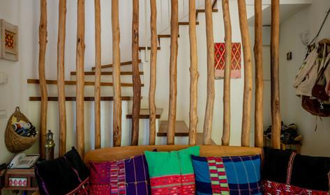 אדריכלית אלונה נבו סידי אור טבעי חומרים טבעיים עץ אלון מלא צבעוניות