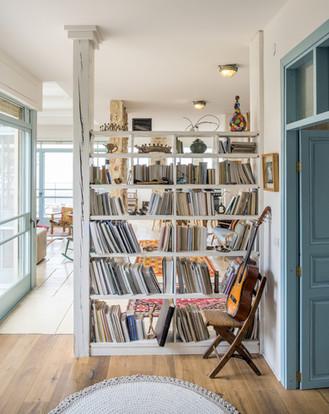 אדריכלית אלונה נבו סידי ספריה מעץ אור טבעי חומרים טבעיים