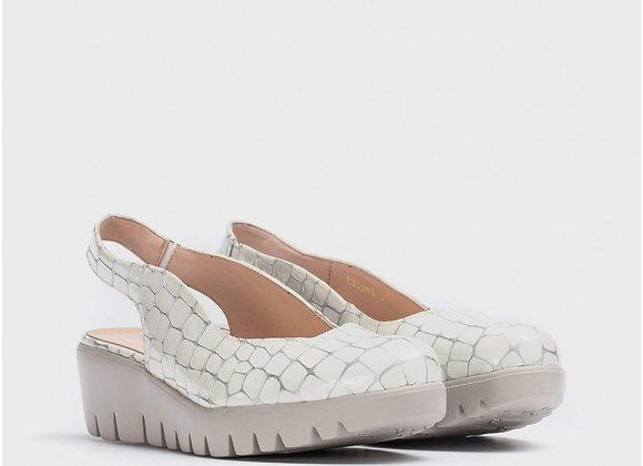 Zapato escote asimétrico