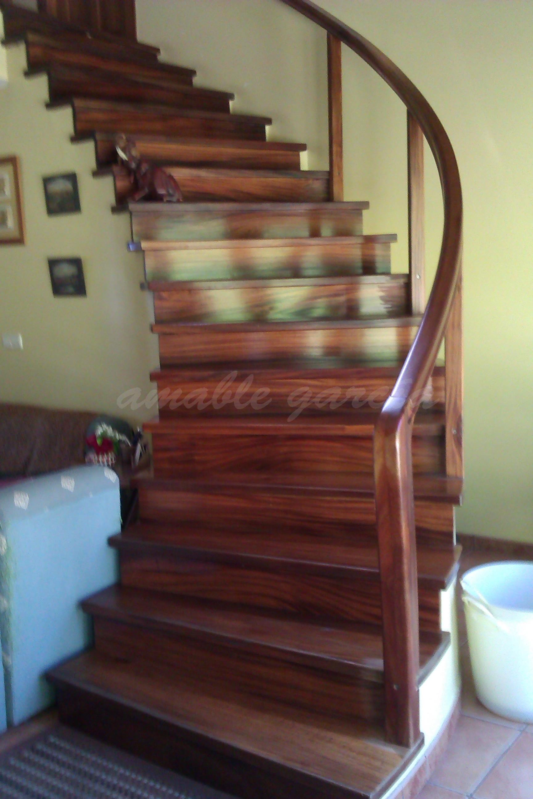 Escaleiras helicoidais de madeira_3